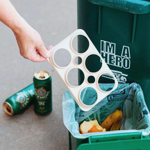 You're probably wondering why our six-pack ring is going in the compost and not the recycling right? As part of our Zero Waste initiative, we invested in launching the first eco-friendly ring in Canada that is both compostable and biodegradable.  We want to continue to prevent any brewery waste from reaching landfills and keeping our events plastic free. So the next time you've finished a six-pack of our fresh brews and you're wondering where that eco-ring goes, not only will you have the answer, but you'll be playing a role in a greener future! 🍻 . . . #creemoresprings #ontario #creemore #beerstagram #beerlover #beer #craftbeer #brew #environment #ecofriendly #biodegradable #sustainable